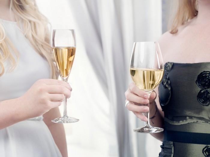 Champagne- och vinglas från Orrefors.