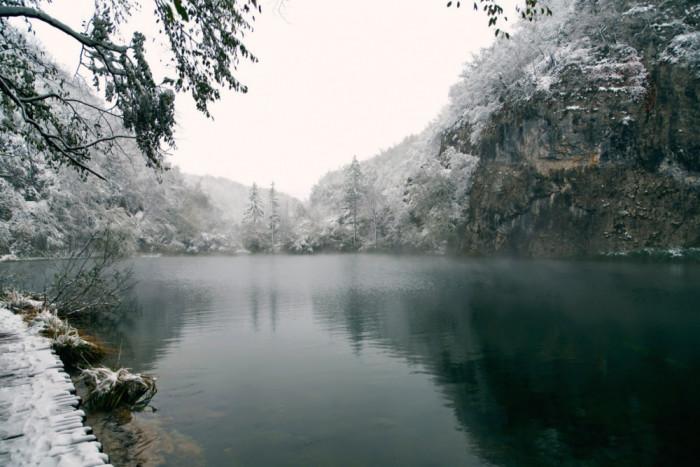 vinter-Plitvice-Lakes-National-Park-Croatia