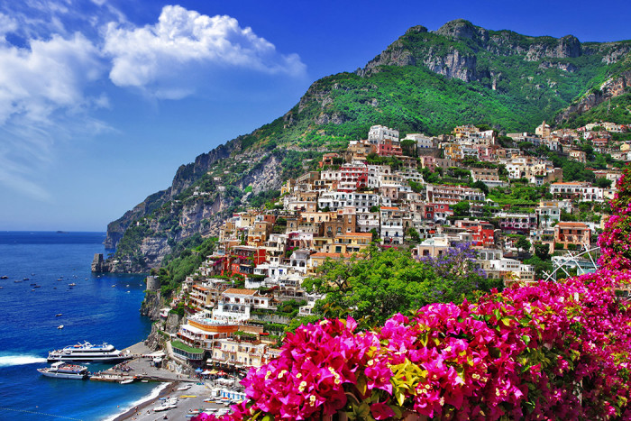 Amalfikusten i Italien är ett populärt resmål. Foto: Shutterstock