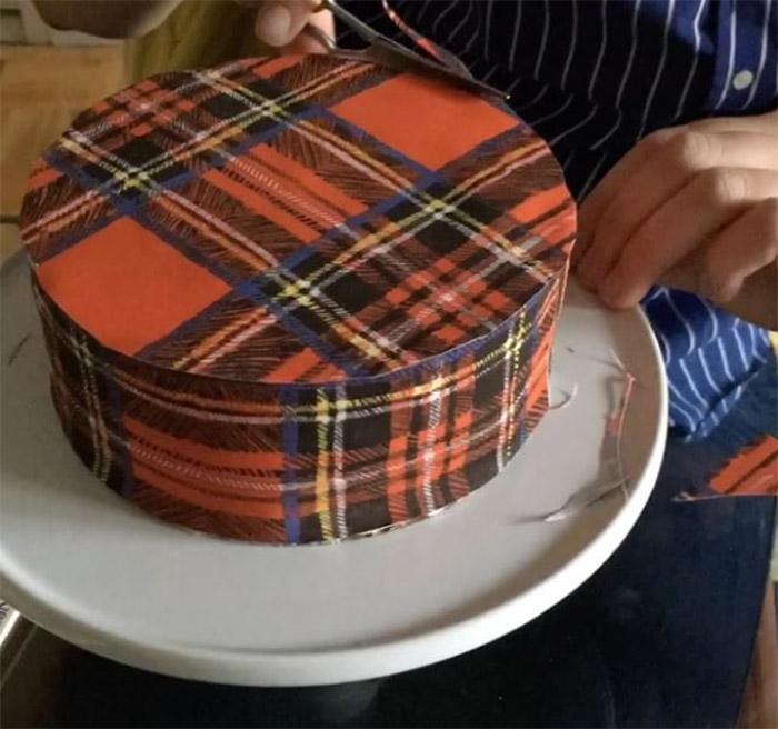 tårta med tapetmönster