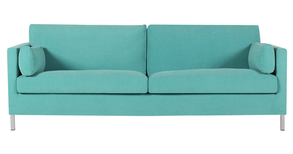 Sofie Sarenbrant har en turkos soffa